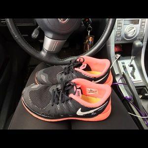 Nike free run trainers 5.0