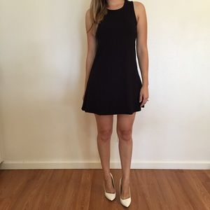 Dresses & Skirts - Black Sleeveless Tunic Mini Dress