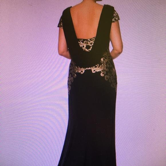 Tadashi Shoji Dresses & Skirts - Tadashi Shoji gown