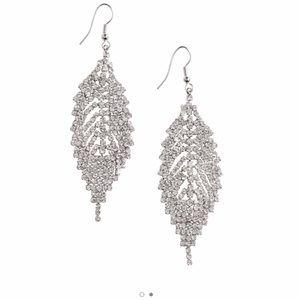 H&M Jewelry - Leaf shape rhinestone dangle earrings
