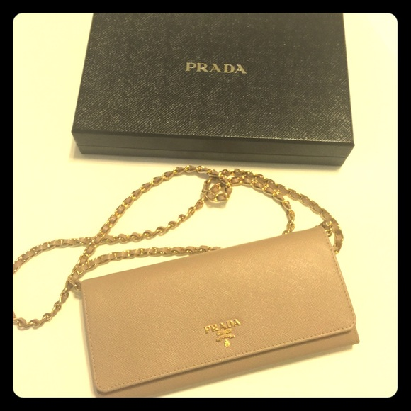 336a773a5504 Prada Saffiano wallet on chain, Blush (Cammeo). M_573e399ac6c795c80800dcae