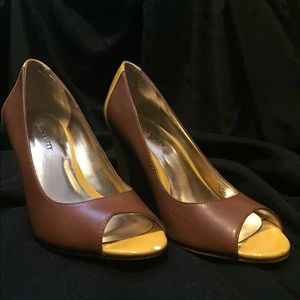 Sole Society Brown and Yellow Peep Toe Size 6.5