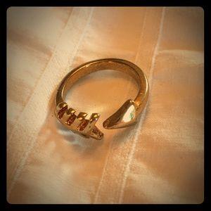 Jewelry - NWOT Arrow Ring