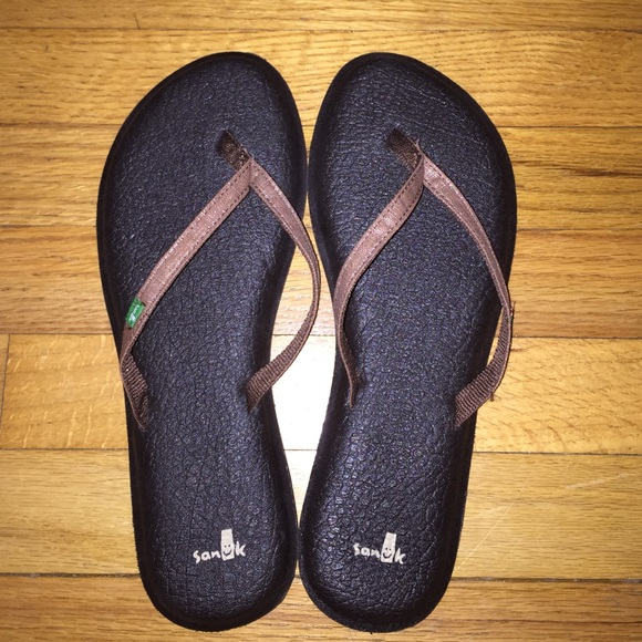 b6fb4efa42ec Sanuk Yoga Spree Two Flip Flops (women s). M 573e5eb6bcd4a716f0002b30