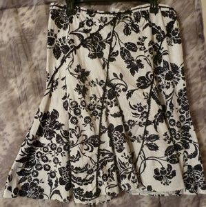 ISO for this WHBM floral skirt in sz 16 or 18