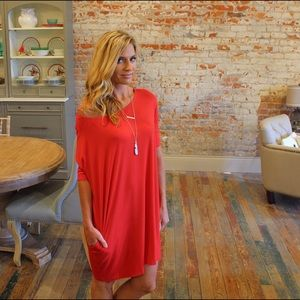 Red round neck dress with pockets