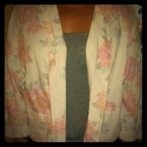ACCEPTING OFFERS 🎉Old Navy Floral Blazer