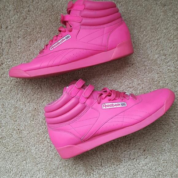 bb26e13c554cc6 Throwback Neon Pink Reebok Classics!!!! M 573f3ae42599fe1a76004d23