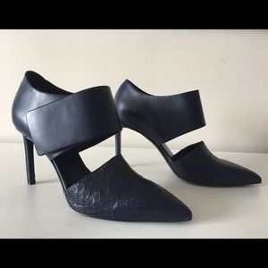 VINCE CORRINE CROC EMBOSSED LEATHER PUMPS SIZE 38