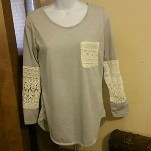 Light grey top size Small