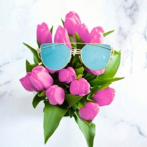 Accessories | blue + gold cat eye sunnies