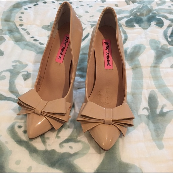 863a01e6f18c78 Betsey Johnson Shoes - SALE 🎉🎉 Betsey Johnson Nude Bow Heels