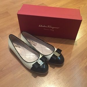 Salvatore Ferragamo Shoes - Ferragamo Flats Size 7.5
