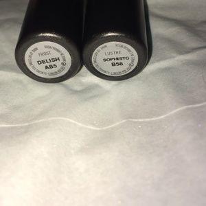 2 MAC Lipsticks in Delish and Sophisto Shades