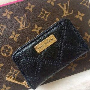 Marc Jacobs Handbags - NWOT*Marc Jacobs Zippered Card Wallet