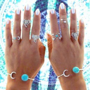 CLEARANCEBoho Silver Moon Shape Gypsy Bracelet