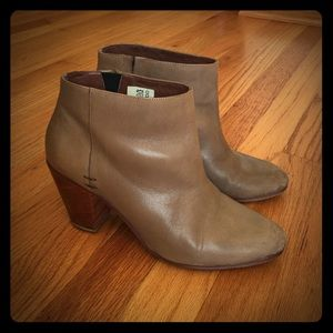Rachel Comey Shoes - ✨✨ SALE✨✨Rachel Comey Booties
