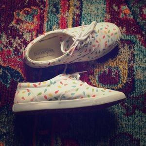 Super cute Bucketfeet Laceup Sneakers