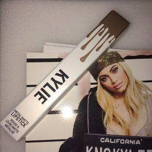 Kylie cosmetics HEIR metal matte lipstick