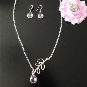 Jewelry - Matching necklace, earrings and hair clip