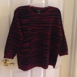 Forever 21 Sweaters - Sweater- looks like brand new!