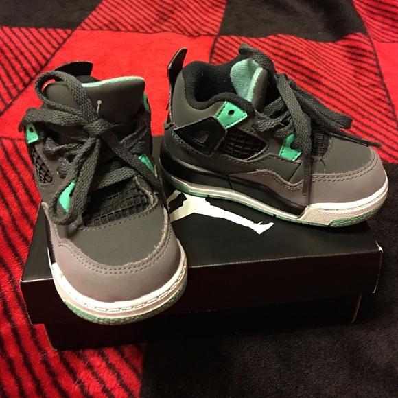 huge discount 652a8 fcb93 Jordan 4 Retro Green Glow (Toddler) size 5c