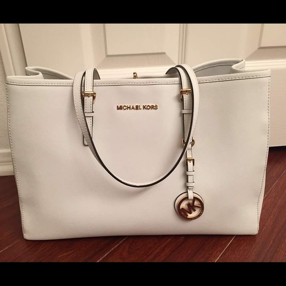 a7526d58b0f0 Michael Kors Jet Set Travel East West Tote. M_573fdc68f092822769029a29