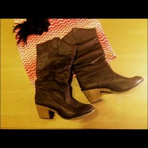 SALE XL brown boots worn twice!