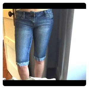 Denim - Knee-length cropped jeans