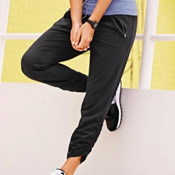 5bd479f6531d1 Athleta Pants - Athleta Aspire Ankle Pant (Black)
