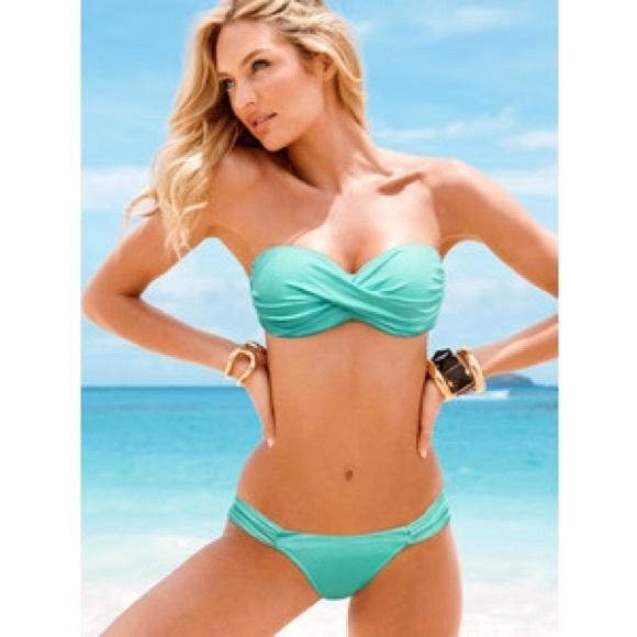 a4c474add6766 Victoria s Secret Twist Bandeau Bikini Top. M 57408b5a9818292acf03595a