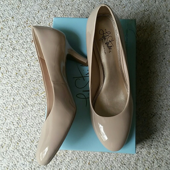 Life Stride Shoes | Nwt Nude Pumps