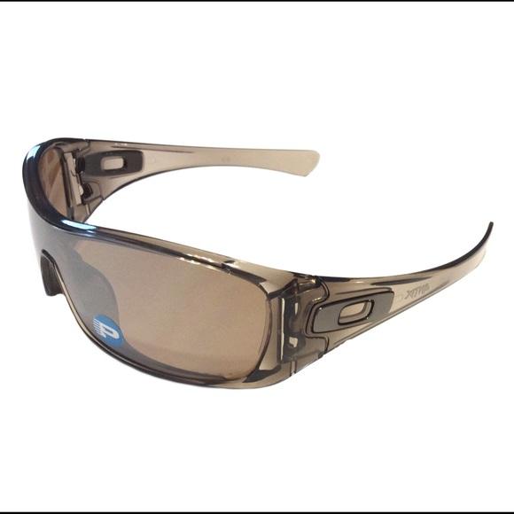165597116d2 Oakley Men s Polarized Antix Sunglasses w  Sleeve.  M 57408cc46802786652035922