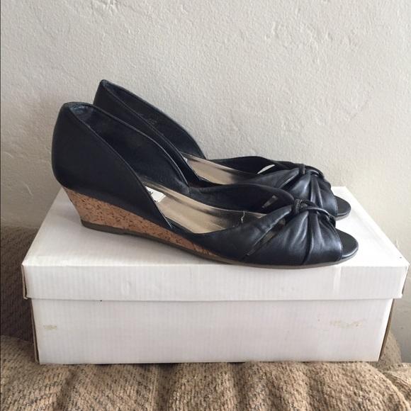 b991eefa450 Steve Madden Cutsie low wedge black leather 8.5
