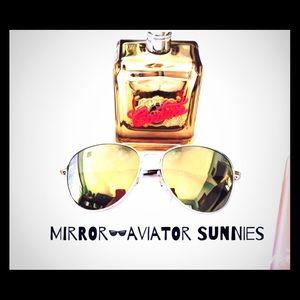 Foster Grant Accessories - || FOSTER GRANT || Mirror Aviator Sunnies ☀️