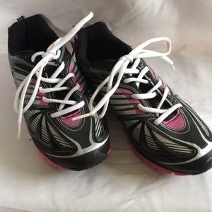 Danskin Shoes - Shoes 👍🏻