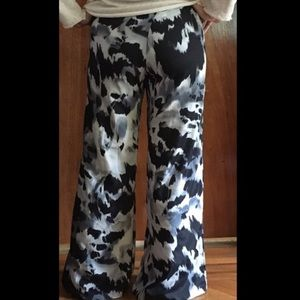Necessary objects Black and white wide Flare pants