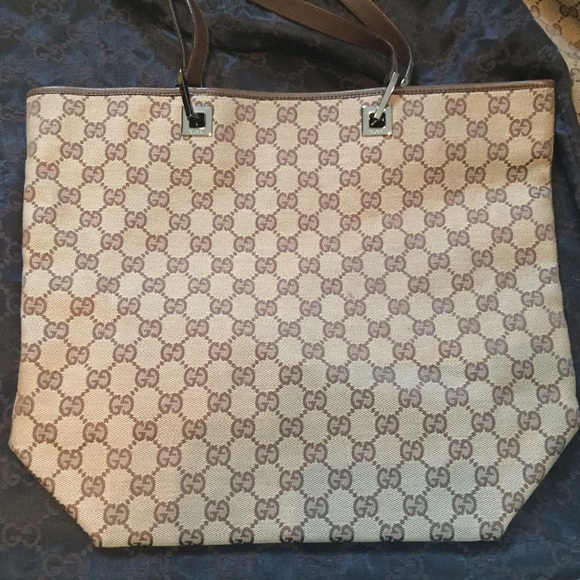 4cc4ea73e6d Gucci Handbags - Authentic Vintage Gucci Canvas Shopper Tote-Brown