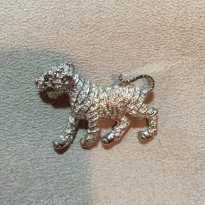 Other Jewelry - Jaguar Brooch