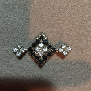 Other Jewelry - Vintage Silver tone Rhinestone Brooch