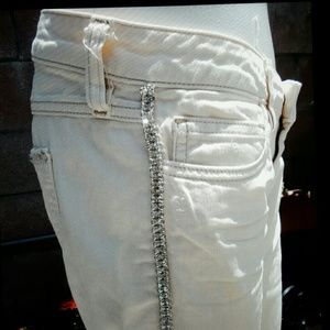 Guess jeans, off-white with rhinestone sz 27