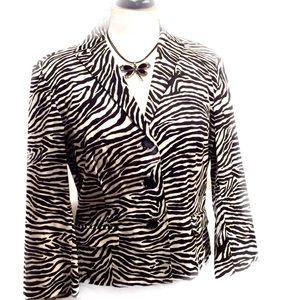 Bandolino Jackets & Blazers - 🌹 Host Pick Bandolino Black and White Blazer 6