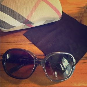 Burberry Accessories - Burberry Sunglasses Discontinued Collector's Item