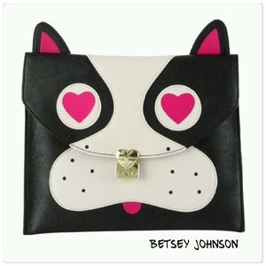 Betsey Johnson Handbags - 🇺🇸 SALE - New Betsey Johnson pug clutch purse