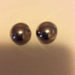 Silver-toned nob clip on earrings