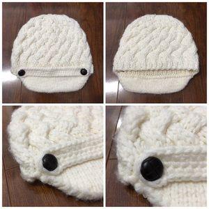 Accessories - knit beanie
