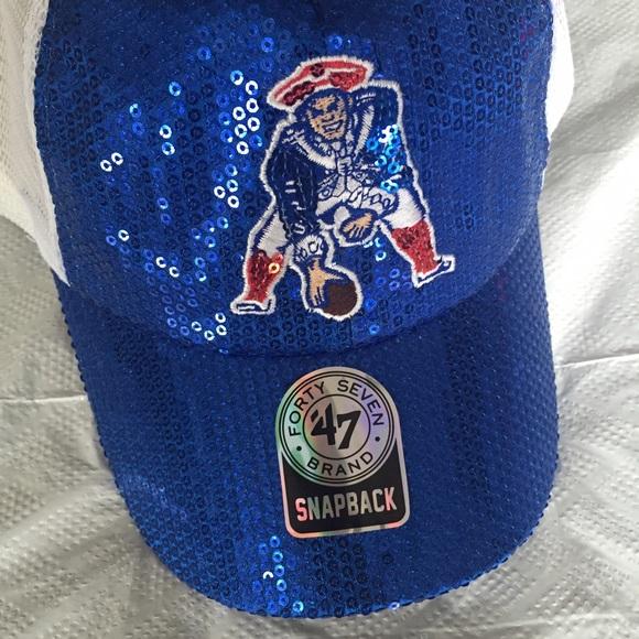 0b47e49d389fa NWT New England Patriots Sequin SnapBack Hat