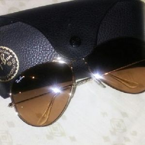 Ray-Ban Other - *******Authentic* *****Ray Ban Aviator Sunglasses