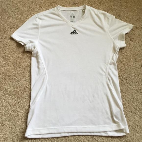 White Neck Crisp V Adidas Tee QCxoBWEdre