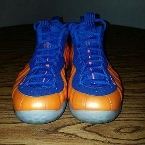 Nike Shoes - Nike foamposite knicks